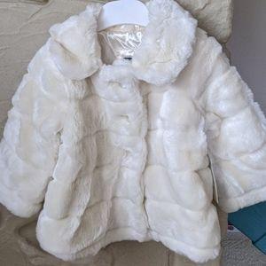 NWT baby gap faux fur coat size 2T